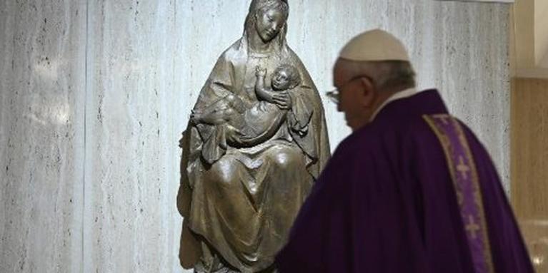 El Papa ora por los que ayudan a combatir la pobreza y el hambre a causa del Covid-19.